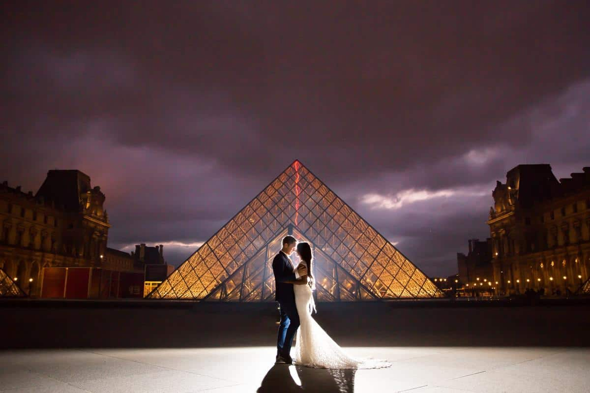 The Pyrmide Louvre Paris Destination wedding photographer www.benandhopeweddings.com.au