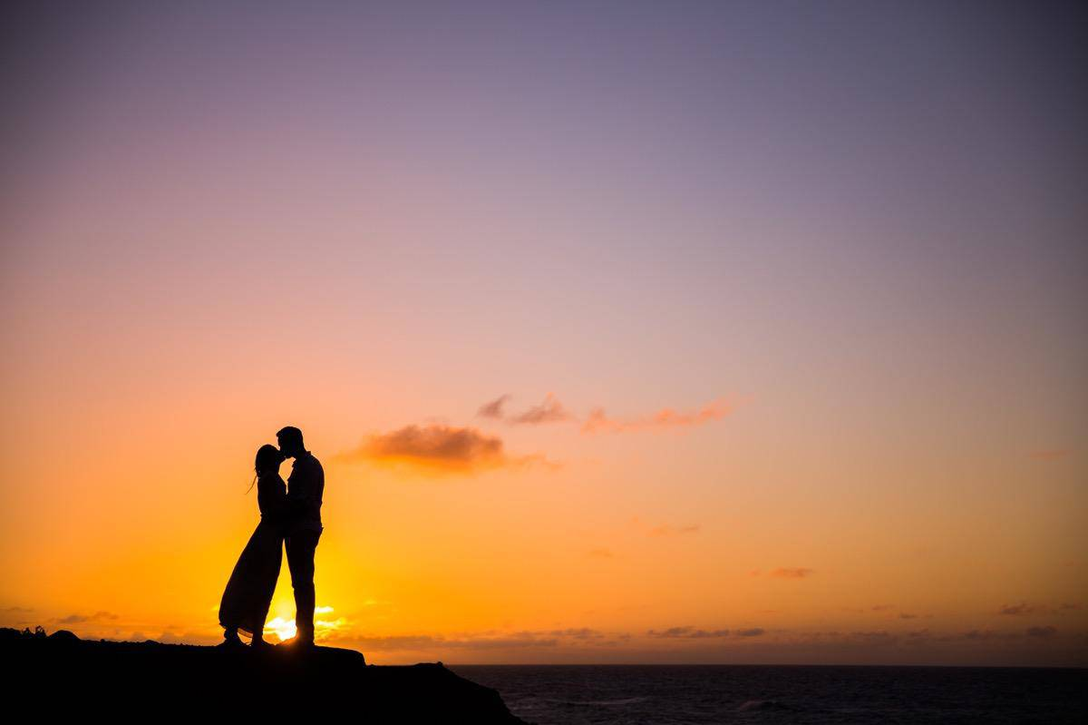 Oahu Hawaii beach engagement session www.benandhopeweddings.com.au